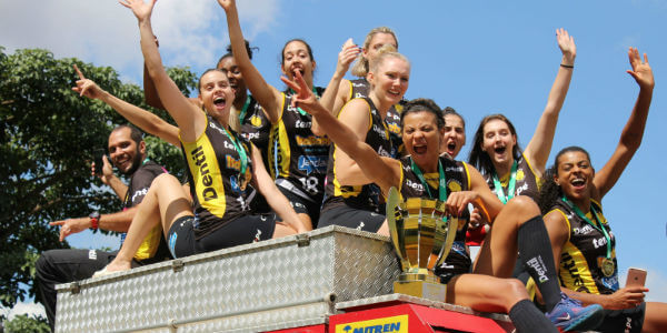 Praia vence Superliga Feminina 2017/ 2018