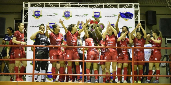 Leoas da Serra vence Supercopa de Futsal Feminino 2018